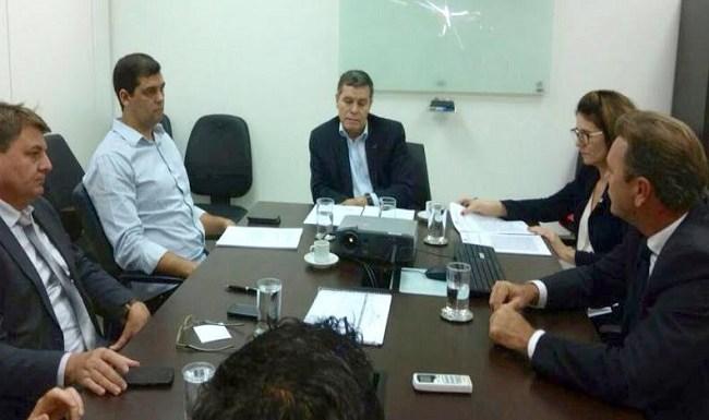 Luizinho Goebel cobra regularização fundiária para Rondônia