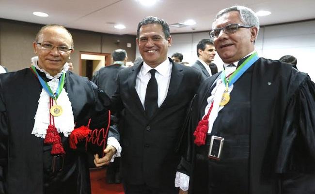 Maurão participa da sessão solene de posse de juízes substitutos no TJ