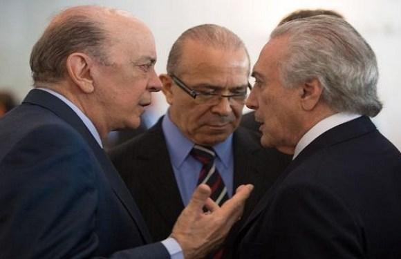 Brasileiros estão descrentes com os políticos, aponta pesquisa Ipsos