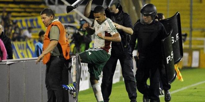 Jogadores reclamam da arbitragem, mas garantem: Palmeiras não está morto