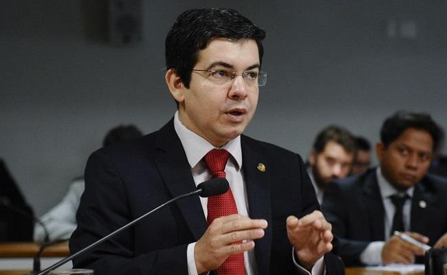 Contrariando STF, Senadores pedem apoio de Dilma para realização de novas eleições