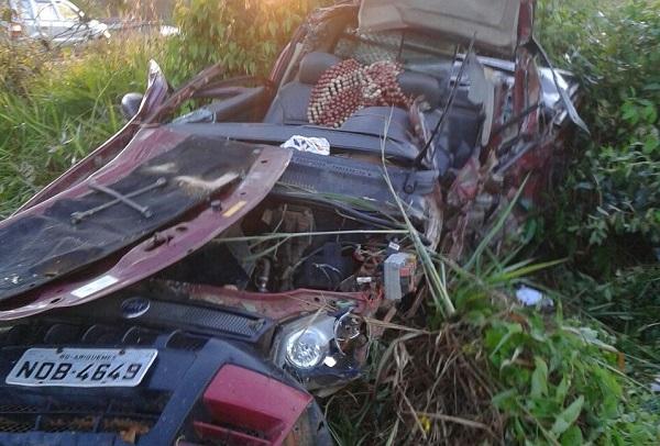 URGENTE: Grave acidente mata duas pessoas na BR 364, próximo a Candeias