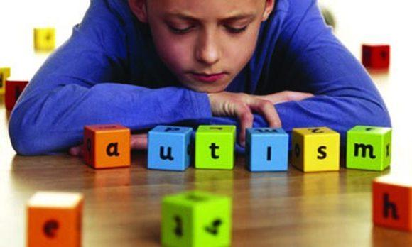 Novo teste de sangue e urina pode detectar autismo precocemente em crianças