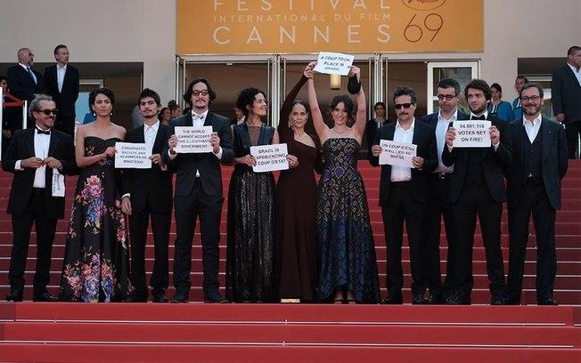 Protesto em Cannes foi armado por petistas do Ministério da Cultura, diz Sônia Braga