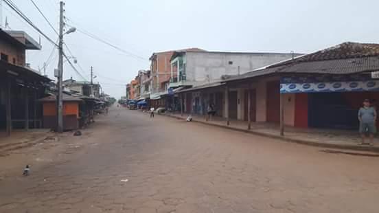 Ruas estão desertas em Guayaramerin