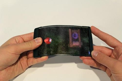 Celular canadense tem tela flexível e holográfica; conheça o HoloFlex