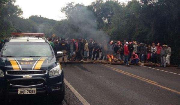 MST bloqueia BR-277 no Paraná pelo terceiro dia consecutivo