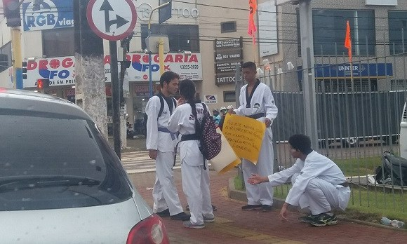 Sem políticas de incentivo e sem apoio, atletas de Rondônia vão às ruas pedir dinheiro