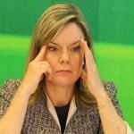Mulher pergunta a Gleisi se ela está pronta 'para ser presa'; veja