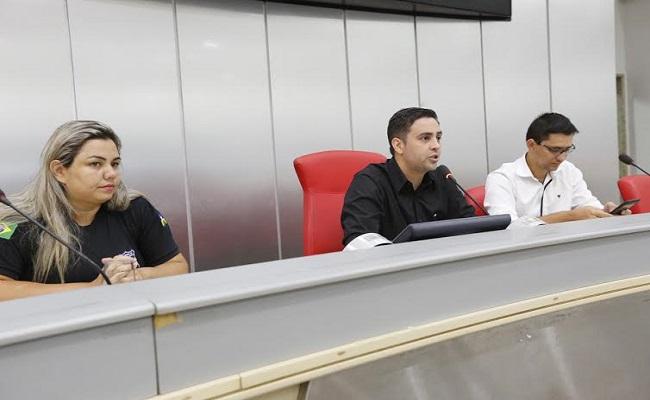 Léo Moraes discute PCCR dos agentes penitenciários e socioeducadores