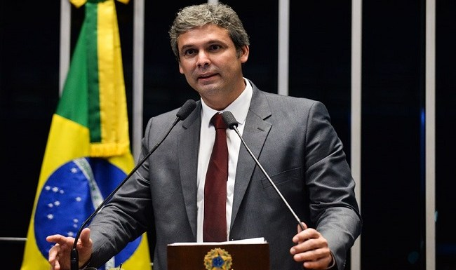 Lindbergh Farias é escolhido líder da oposição