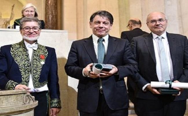 Matemático Marcelo Viana recebe maior prêmio da França