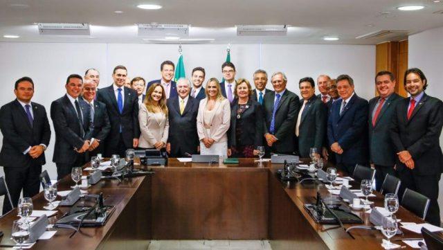 Léo Moraes participa de reunião com Michel Temer para discutir PEC 47
