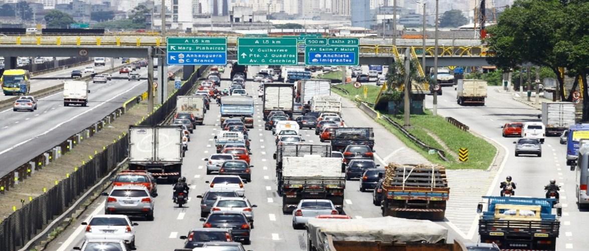 Receita com multas de trânsito chega a R$42 por segundo e SP bate recorde