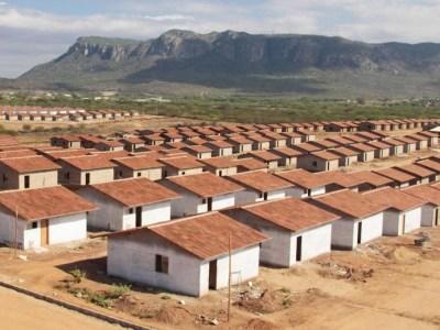 Governo anuncia meta de contratar 600 mil moradias em 2017