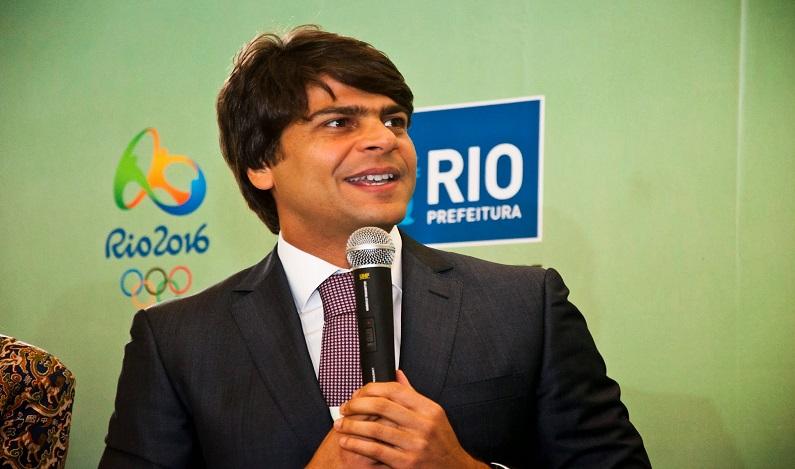 Mais de 50 servidores da Prefeitura do Rio doam R$ 5 mil cada a Pedro Paulo
