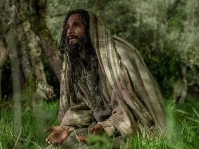 Jesus em 'Ben-Hur', Santoro é crucificado em temperatura congelante