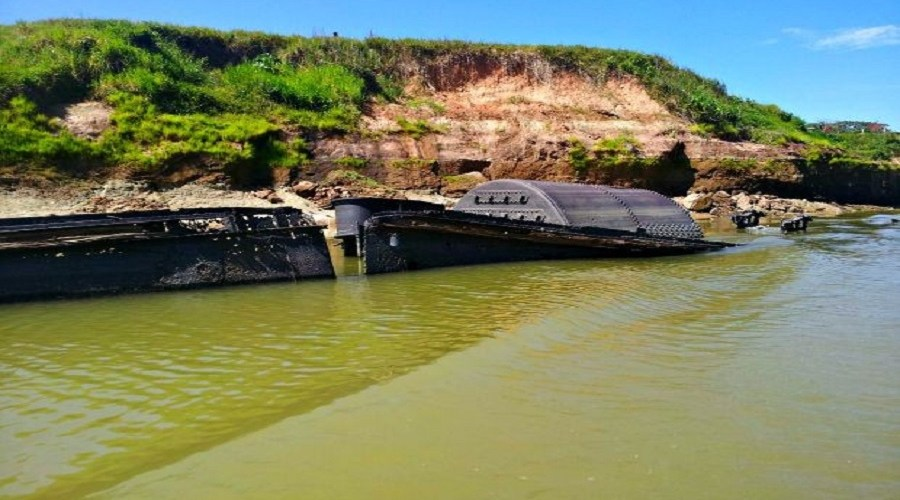 Navio que naufragou durante Ciclo da Borracha reaparece com seca de rio