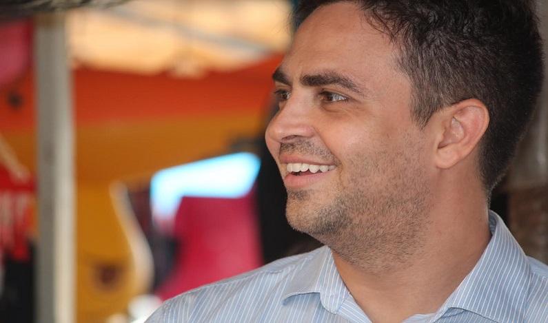 Segundo Ibope, Leo Moraes ganharia em primeiro e segundo turno