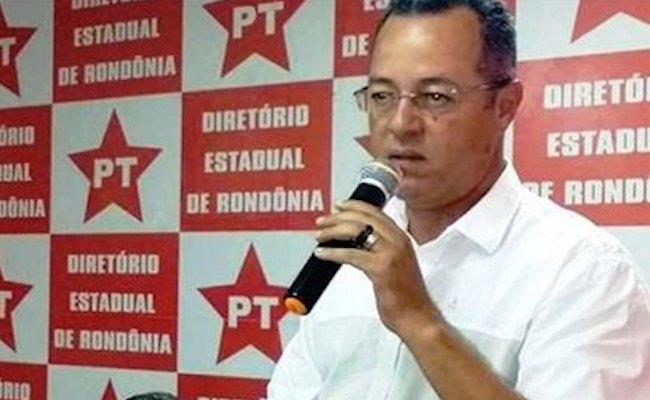 Roberto Sobrinho consegue liminar no STJ e segue na disputa