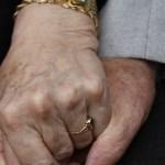 'Casamento gay' de idosos héteros vira polêmica na Itália
