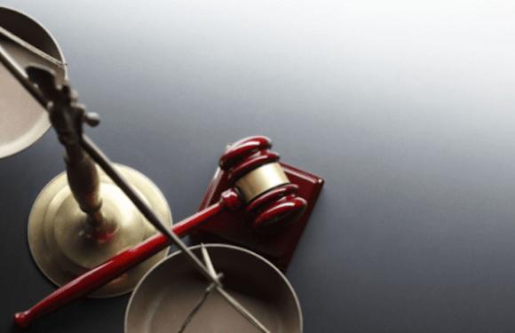 Antes de mudar de nome, travesti precisa quitar dívidas, decide justiça