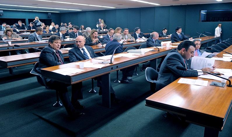 CCJ aprova projeto que regulamenta a atividade de lobby no setor público