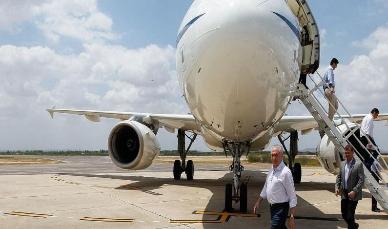 Planalto gasta R$ 1,75 milhão em comidas para avião presidencial