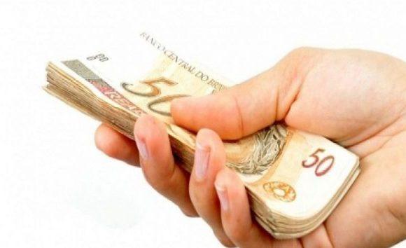 Governo reduz previsão do salário mínimo para R$ 998 em 2019