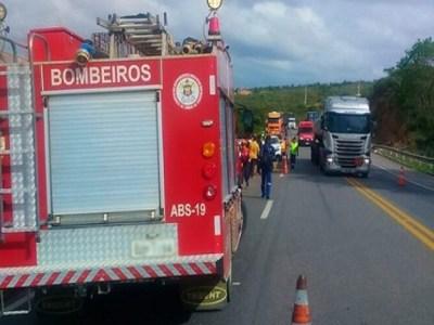 Acidente de ônibus deixa pelo menos seis mortos na Bahia