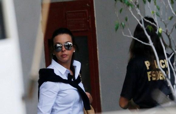 Juiz substitui prisão domiciliar de Adriana Ancelmo por uso de tornozeleira eletrônica