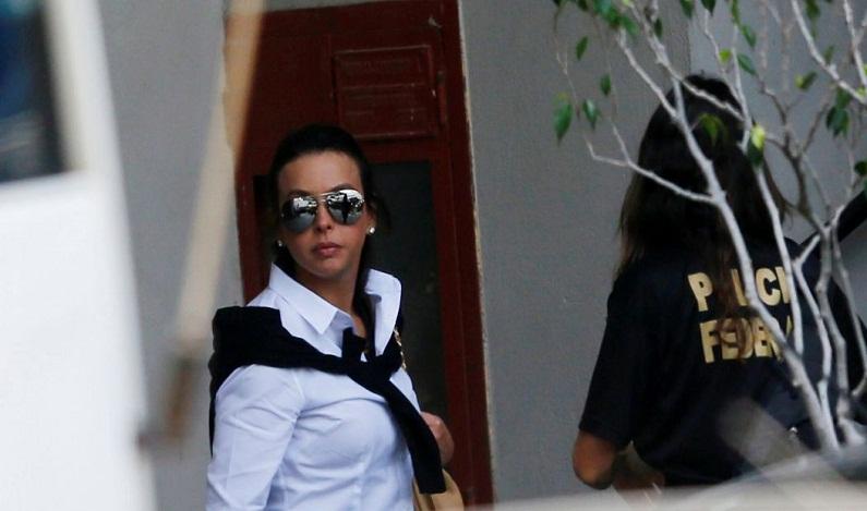 Mulher de Cabral é suspensa provisoriamente da OAB