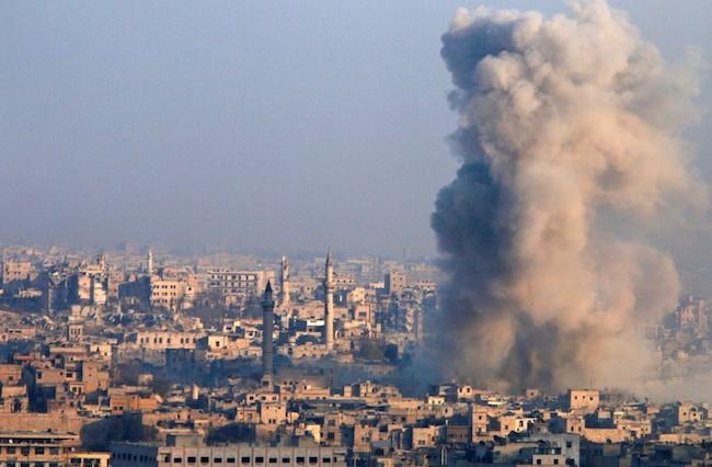 Aleppo cai, após massacre de civis; ONU convoca reunião de emergência