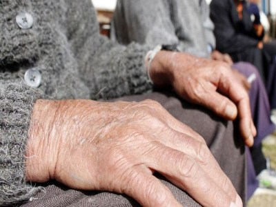 Governo admite reduzir a 62 anos idade para mulher se aposentar