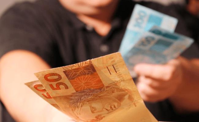 Prefeitura transferiu R$ 400 mil para conta de moradora, no MT; MP investiga