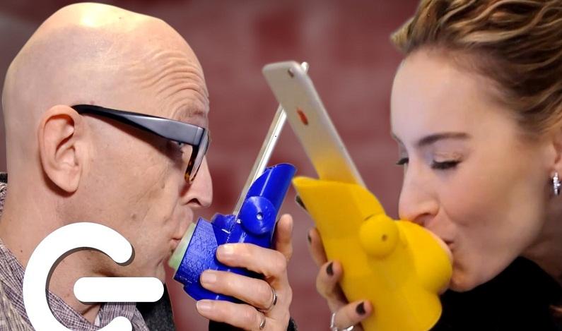 Kissenger, o aparelho que permite o beijo à distância
