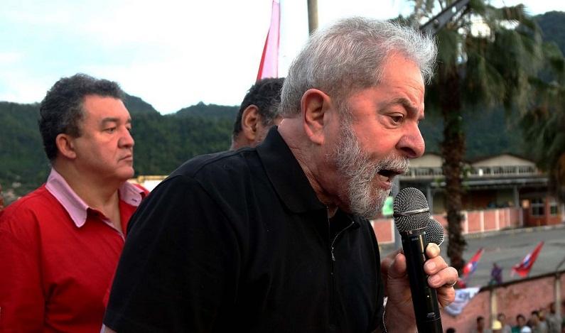 Luta por moradia 'não é caso de polícia', diz Lula sobre Boulos