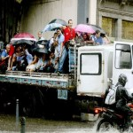 Temporal alaga ruas e causa transtornos no Rio