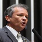 PT decide apoiar oposição; e Maia anuncia candidatura