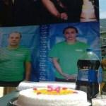 Bombeiros comemoram prisão e aniversário de Cabral na porta da cadeia