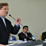 Justiça determina que prefeitura pague salários de ex-prefeito preso
