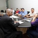 Policiais militares licenciados pedem apoio ao deputado Maurão