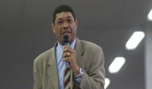 Após ataque, Valdemiro pede R$ 8 milhões a fiéis para bancar um mês de TV
