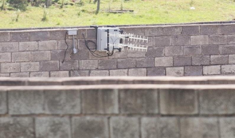 Só 23 prisões de São Paulo têm bloqueadores de sinal de celular