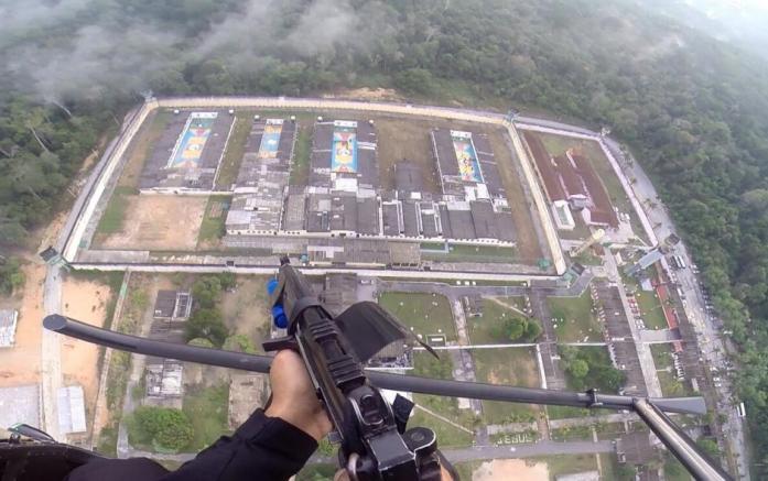 Amazonas transfere presos de cadeia pública para presídio terceirizado
