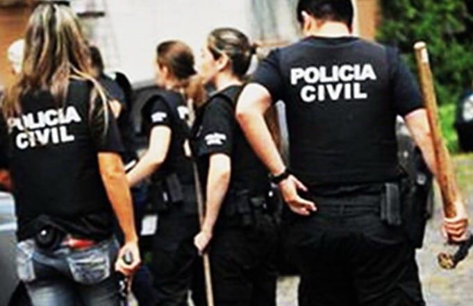 Quatro menores e homem de 20 são presos por estuprar e filmar menina de 11 anos