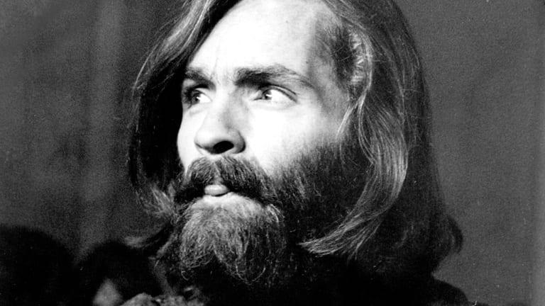 Serial killer Charles Manson é internado em estado grave nos EUA