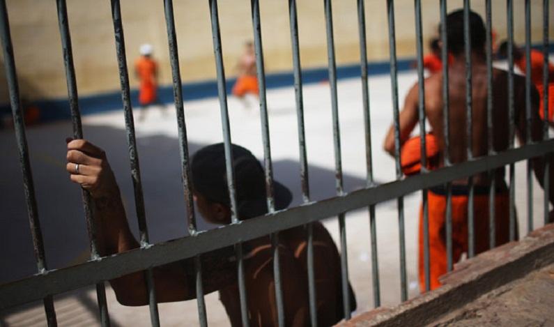 Agentes penitenciários do Rio denunciam insegurança nas prisões