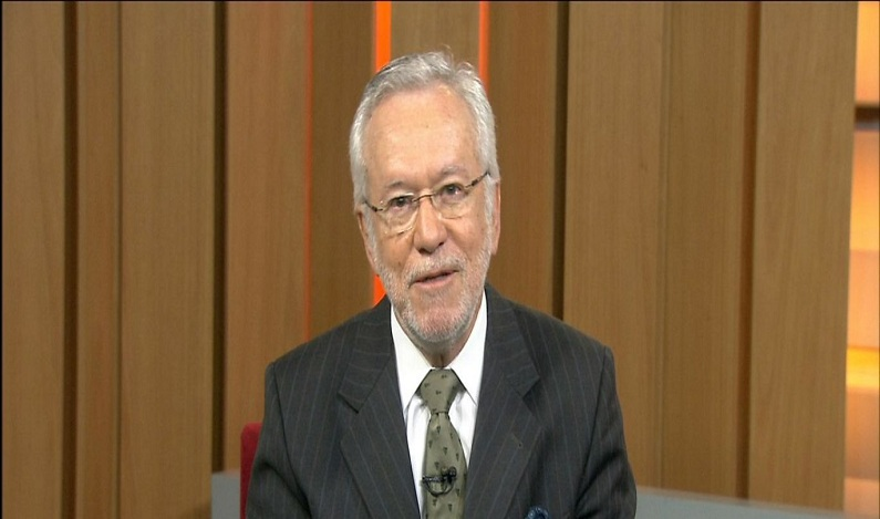 Jornalista da Globo é criticado após questionar termo 'feminicídio'