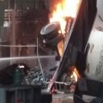 Carreta invade posto de gasolina e deixa 2 mortos em MG